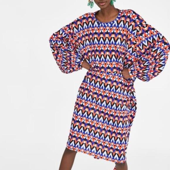 Zara Dresses & Skirts - Zara Geometric Print Long Sleeve Dress